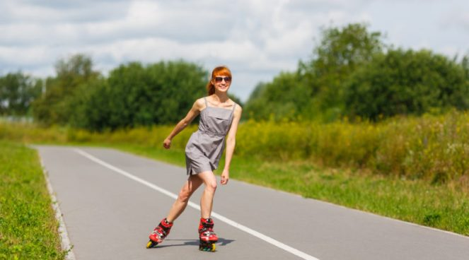 052692887-attractive-girl-rollerblading--800x445
